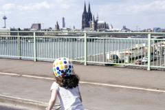 Kidical Mass Köln -Kinder auf das Rad - Severinsbrücke Kind