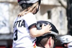 Kidical Mass Köln -Kinder auf das Rad - Kind Warten auf Start Rudolplatz