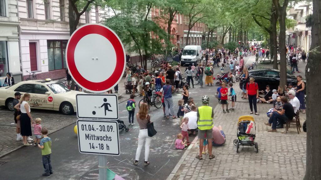 Tempoäre Spielstraße